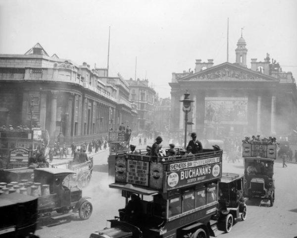 Kısa film tadında 100 fotoğrafta 100 yıllık Londra #1